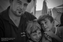 DASSIN mit seinen beiden Söhnen: AMÌR, das Energiebündel der Familie, und der quirlige RAMÌ (rechts).