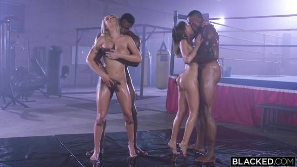 Zenci adamların hardcore sikiş pornosu