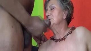 Siyah yarrak hastası bir granny