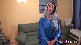 Arap kadın bugün ne istediğinin farkında