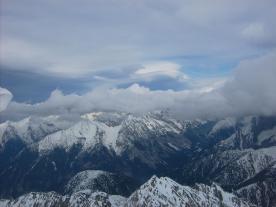 Föhn-Wolken in allen Schichten über dem Karwendel