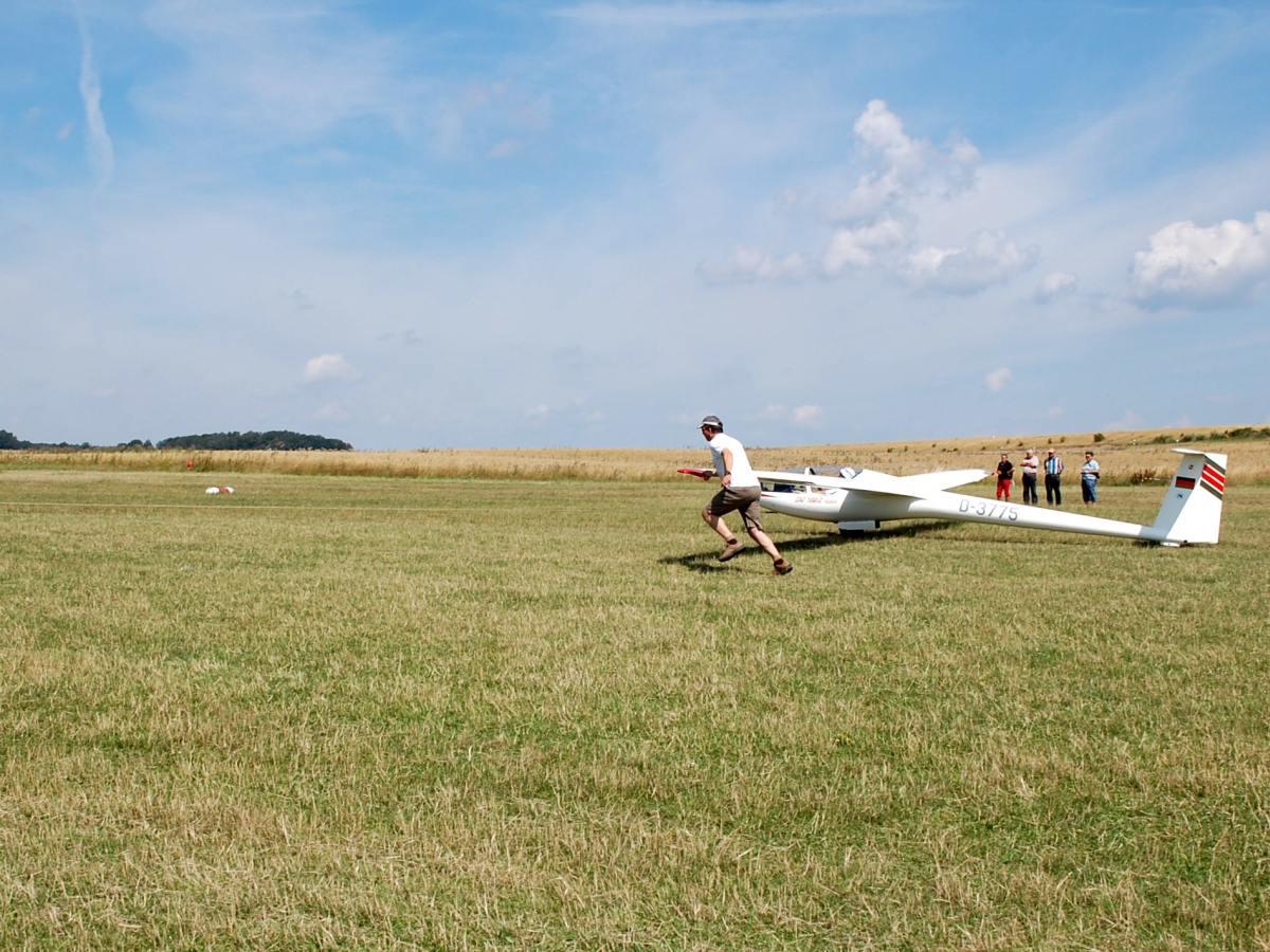 F-Schlepp Segelflugzeug DG 100