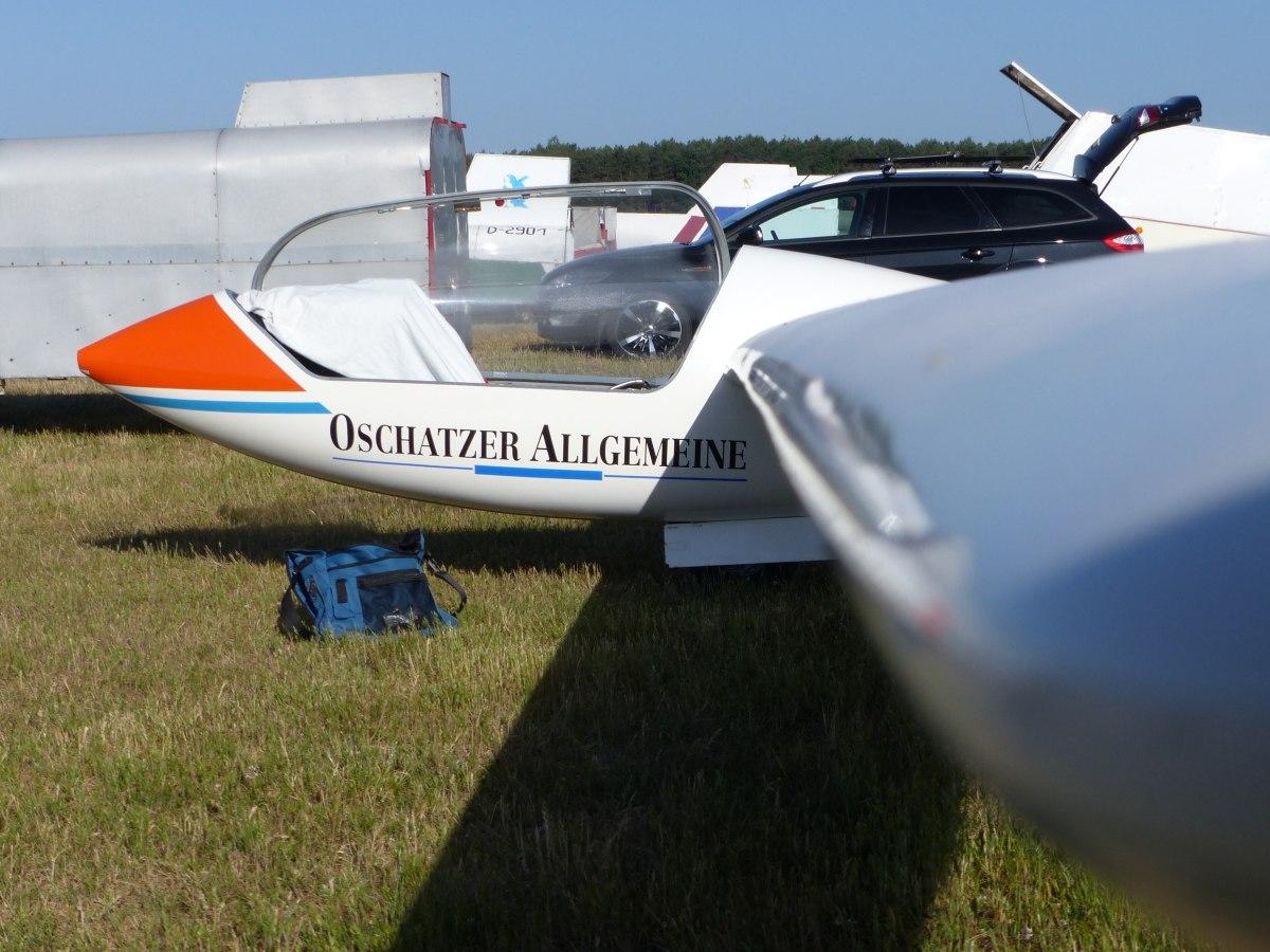 Astir CS 77 D-2901 mit Morgentau