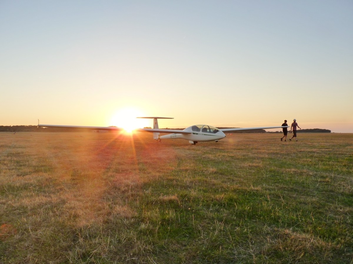 Landung im Sonnenuntergang