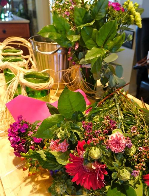How To Make Cheap & Easy Flower Vases
