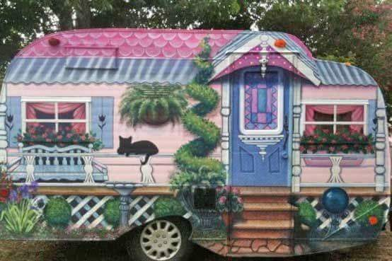 Glammed Out Vintage Trailers For When The Girls Want To Play!