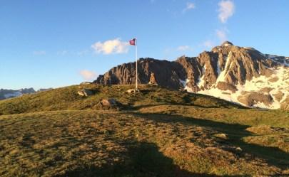 Schweizer Fahne in der Nähe