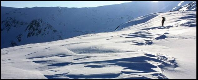 refugiul Iezer iarna, Muntii Iezer