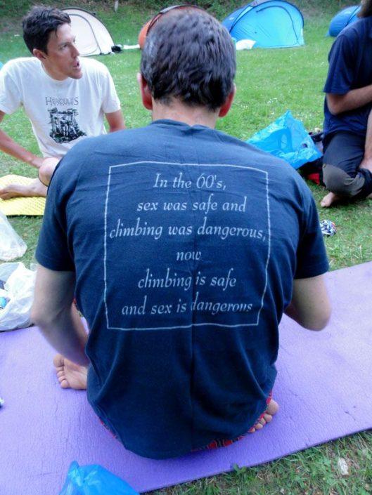 tricou pentru cățărători și nu numai