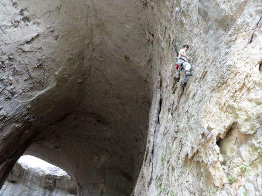 escalada in pestera karlukovo bulgaria, climbing in Karlukovo