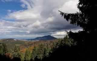 panorama la munte, nori toamna