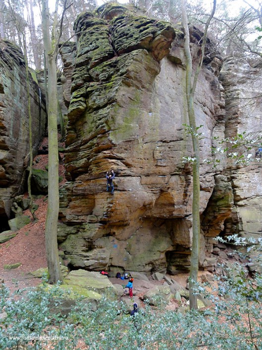 sanstone climbing rocks Luxemburg