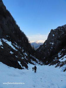 Valea Jepilor Mici zapada