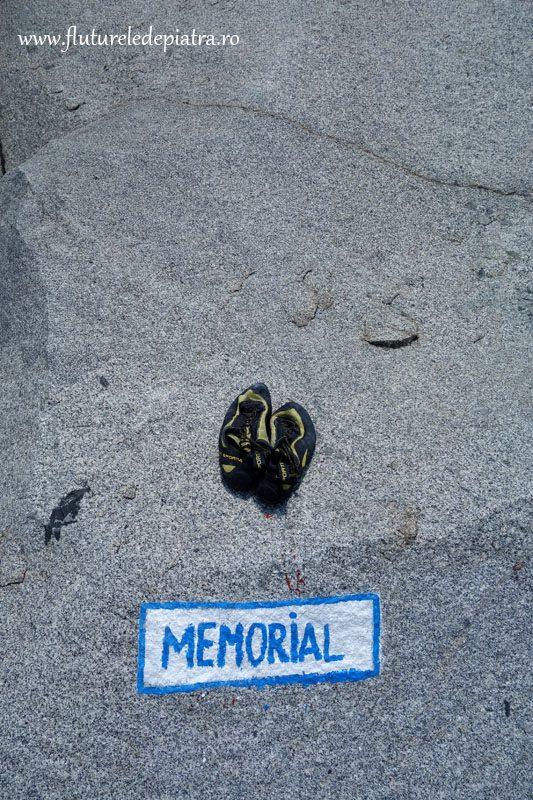 escalada la granit, traseul memorial