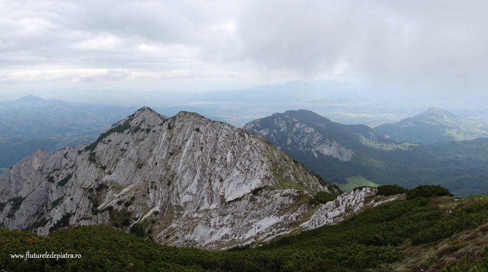 panorama muntii carpati, romania