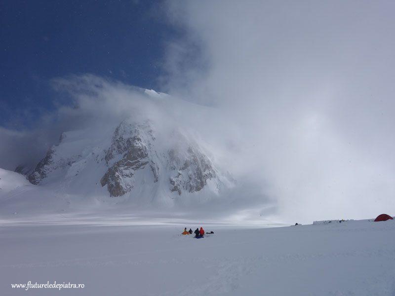 Masivul Mont Blanc în nori, Triangle du Tacul
