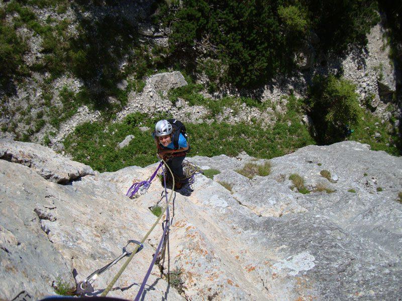 a doua lungi traseul fisura cenusie piatra craiului