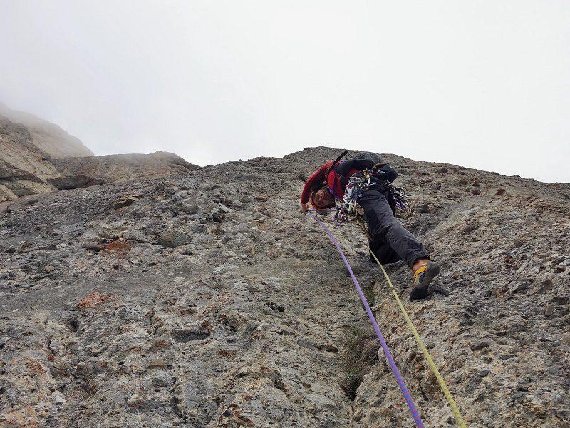 traseul diedrul pupezei_peretele vaii albe_alpinism (24)