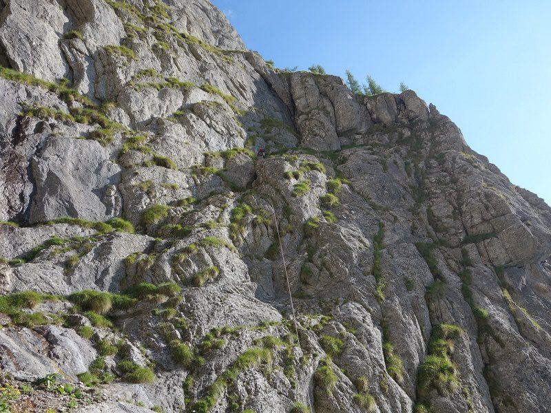 traseul diedrul pupezei_peretele vaii albe_alpinism (3)