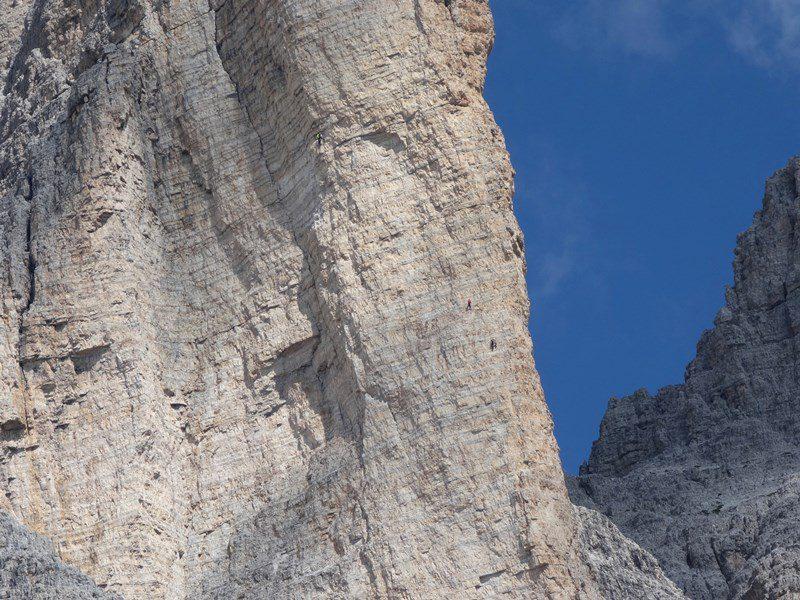 alpinisti in Cima Piccola, Tre Cime di Lavaredo, Dolomiti