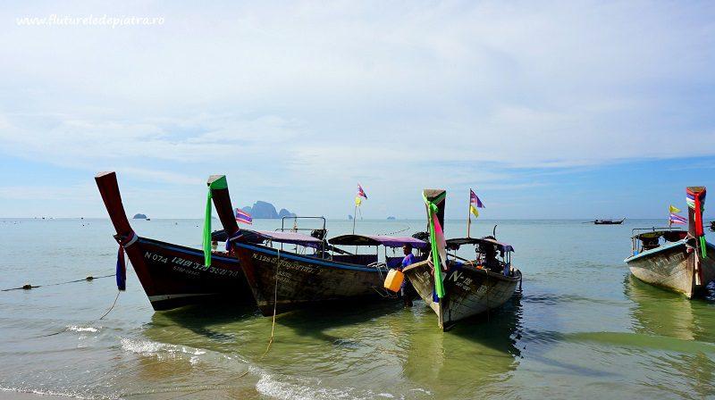 longboats, barci pe plaja ao nang, thailanda