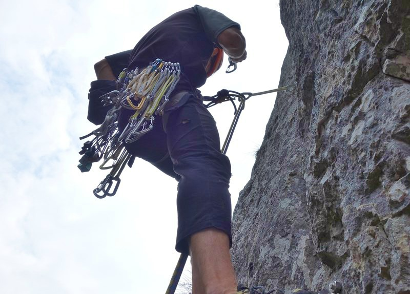cum sa alegi hamul de alpinism: bucle, asigurări mobile, scăriță
