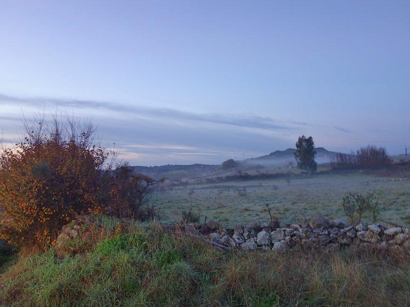 cețuri de dimineață în Sardinia, iarna Italia vacanță