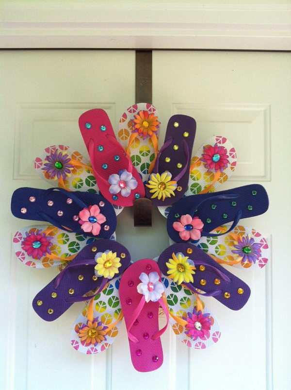 10 DIY Flip Flop Wreath Decorating Ideas