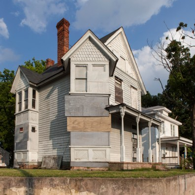Abandoned Home No. 6, Jefferson Davis Highway, Virginia, 2011