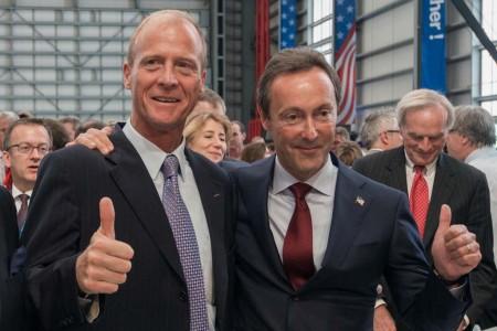 TomEnders y Fabrice Bregier en la inauguración de la planta de montaje del Airbus A320 en Mobile (Estados Unidos).