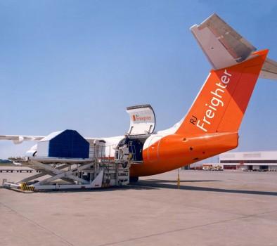 La compuerta de carga del AVRO RJF será la misma que en el BAe 146QT con unas pequeñas modificaciones en el sistema de apertura.
