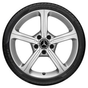 Neues Mercedes-Benz Sport Equipment: Sportliche Anbauteile und Leichtmetallräder für die A-Klasse