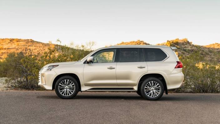 2018-lexus-lx-two-row-first-drive (1)