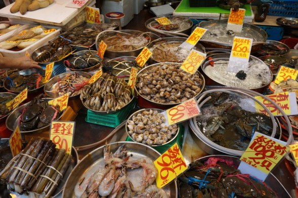 Seafood at the Mong Kok street market