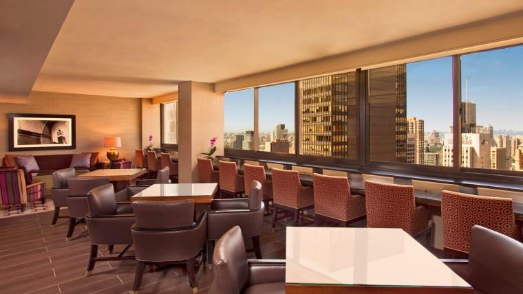 she421cl-107377-Club Lounge