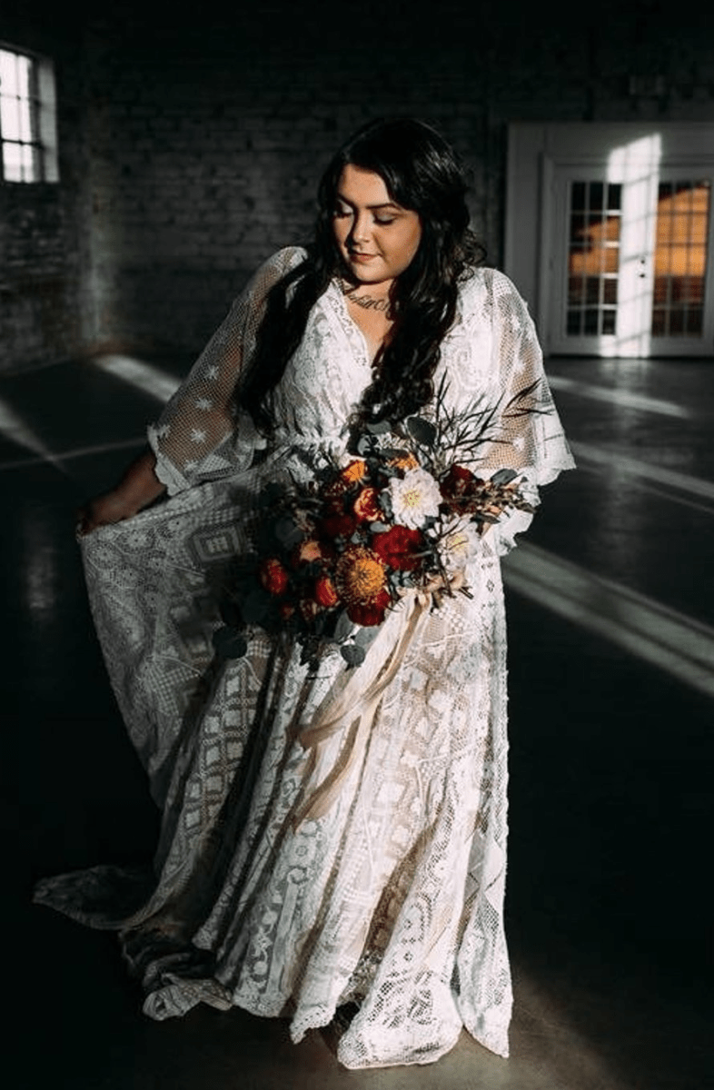 6 Gorgeous, Affordable Plus Size Boho Wedding Dresses | Fly ...