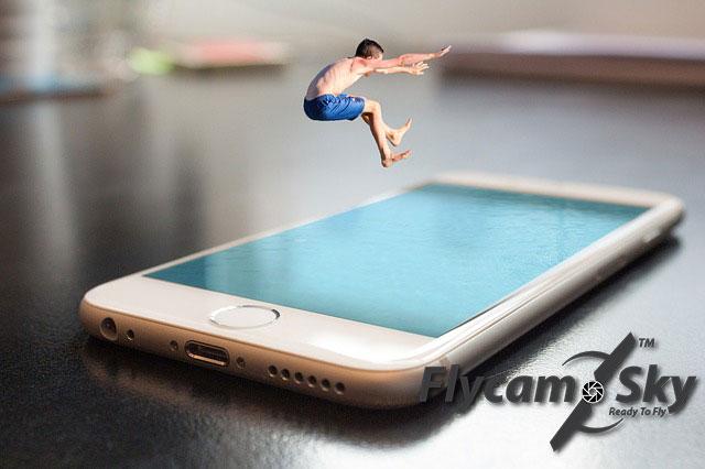 smartphone-2493419_640