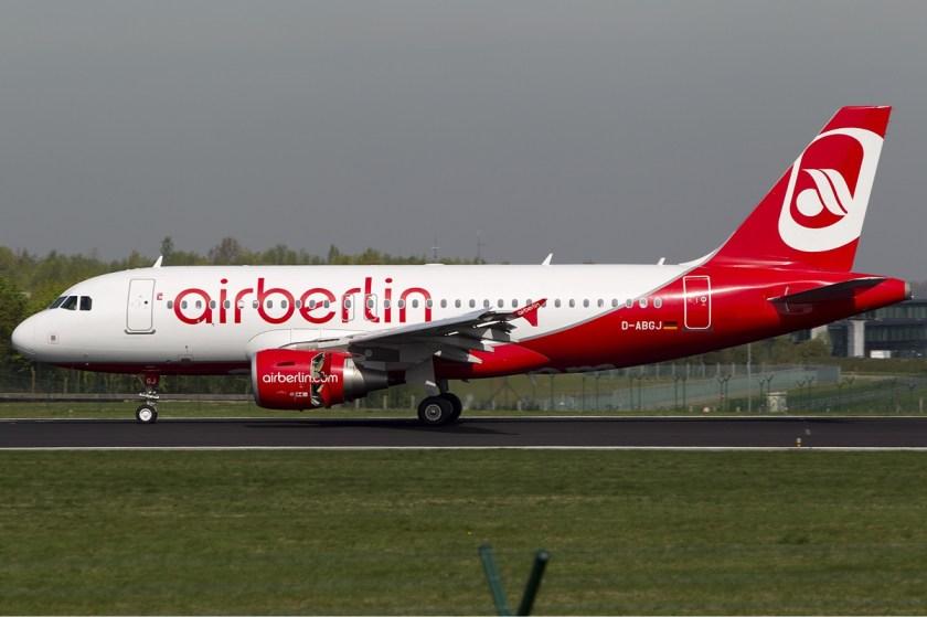 Air_Berlin_Airbus_A319_Airwim-1