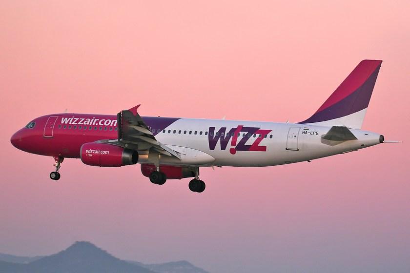 Airbus_A320-233_Wizz_Air_HA-LPE_(8399569664)