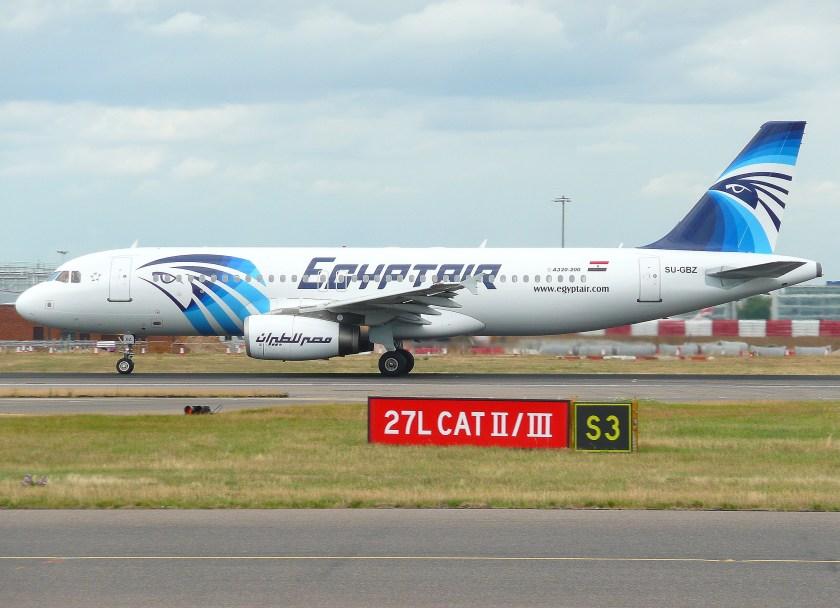 Airbus_A320_(EgyptAir)_(3719293653)