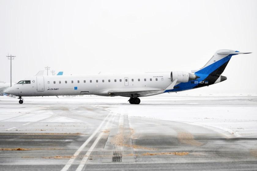 Nordic_Aviation_Group,_ES-ACF,_Canadair_CRJ-701ER_(24555994846)