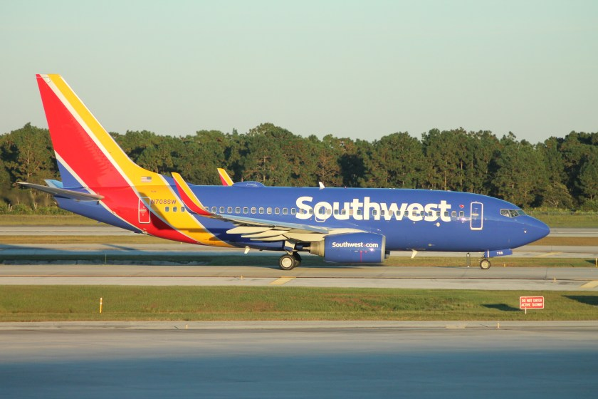 Southwest_Airlines_Boeing_737-700_(2014_livery)