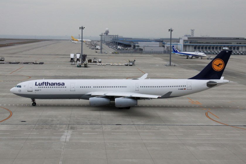 Lufthansa_A340-300(D-AIGD)_(4100939614)