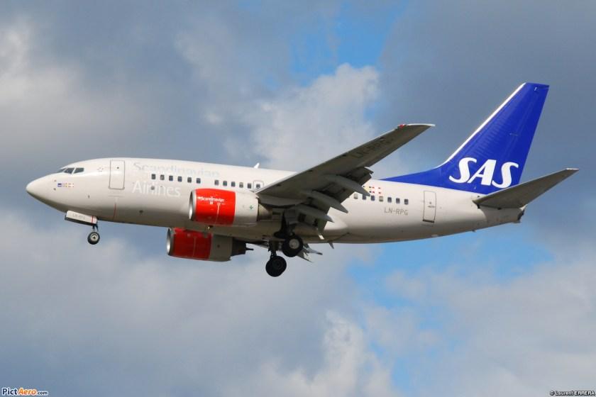 boeing_737-600_scandinavian_airlines_sas_ln-rpg_-_msn_28310_255_-_named_geirmund_viking_5470368055