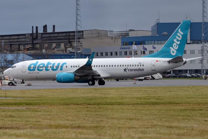 corendon_airlines_detur_livery_tc-tjj_boeing_737-8s3_22627373770