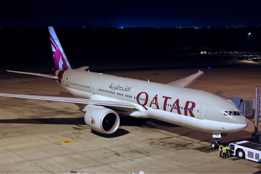 qatar_airways_boeing_777-200lr_koch-2