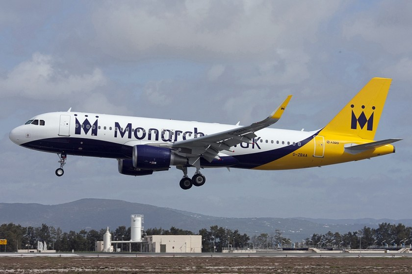 Airbus_A320-214,_Monarch_Airlines_JP7586647