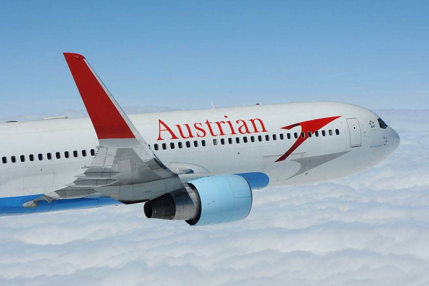 Boeing_767-300ER_of_Austrian_Airlines