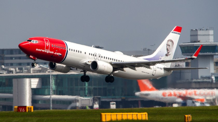 Norwegian_Air_Shuttle_B738