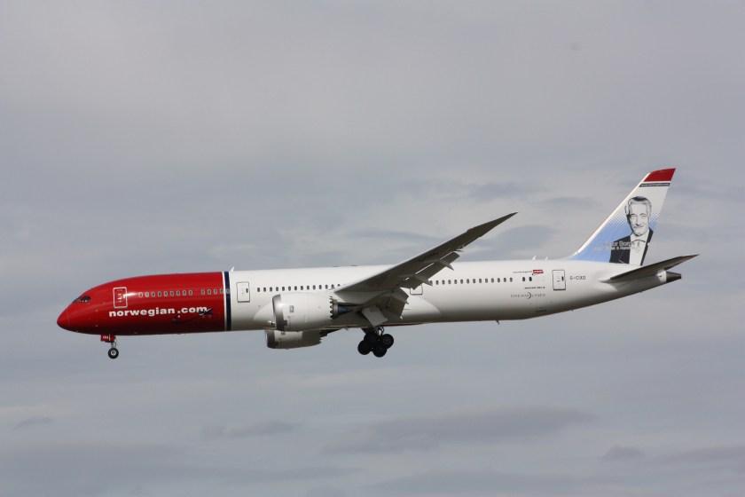 Norwegian_Air_UK_(Victor_Borge_livery),_Boeing_787-9,_G-CIXO